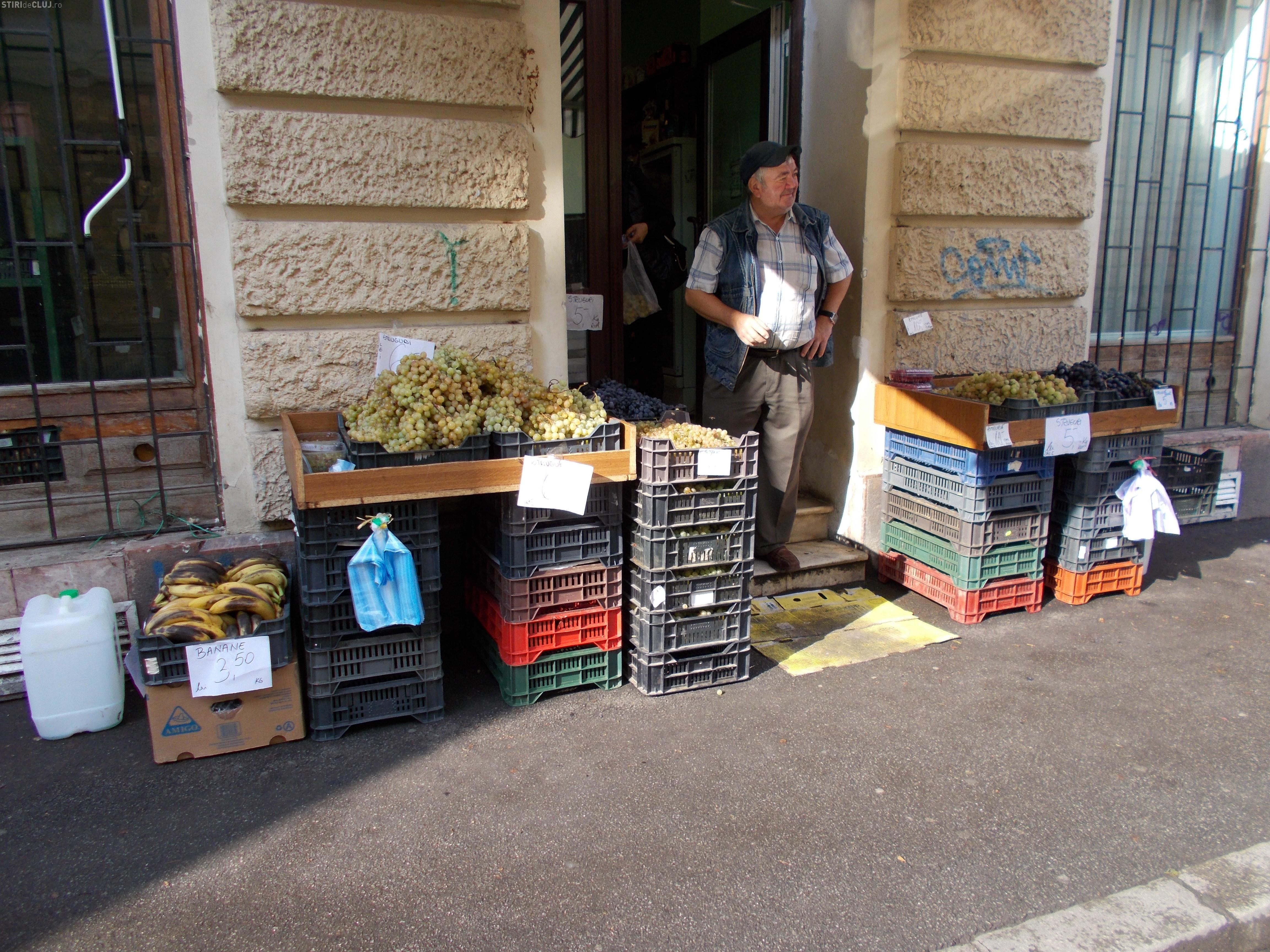 Poliția locală i-a amendat pe vânzătorii de legume care vând în centrul orașului