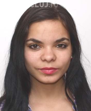 CLUJ: Tânără de 18 ani, dispărută de acasă de o lună. Ați văzut-o? FOTO