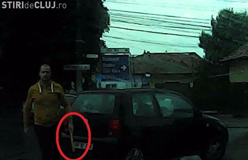 Șoferul care a amenințat cu bâta o femeie pe Corneliu Coposu, a accidentat acum un bărbat în Mănăștur