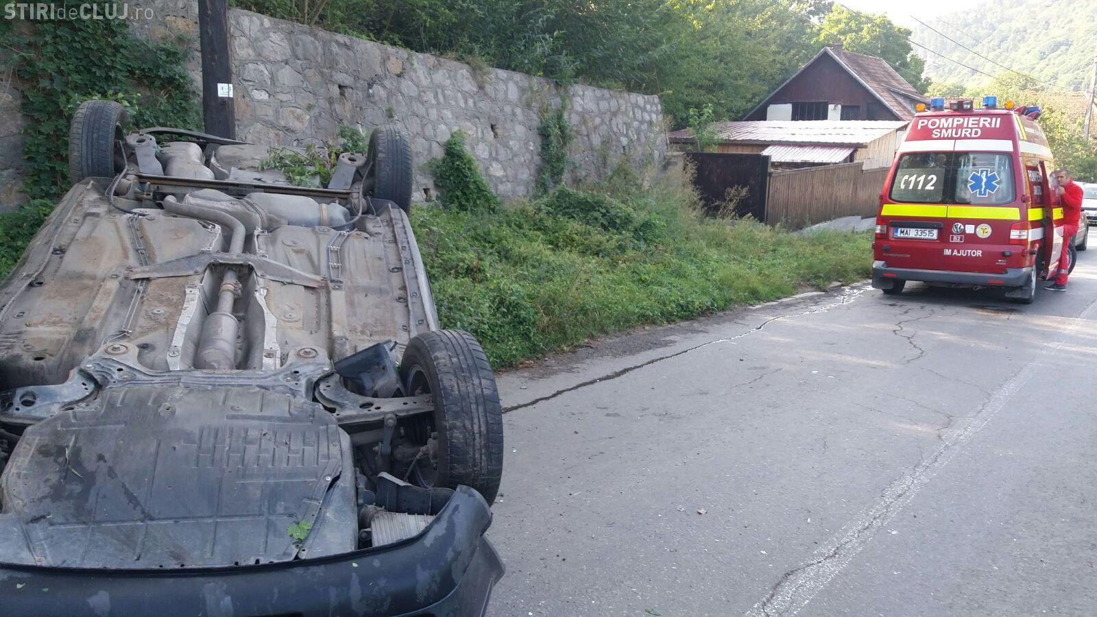 CLUJ: Accident grav la Someșul Rece. Un vitezoman s-a răsturnat cu mașina FOTO