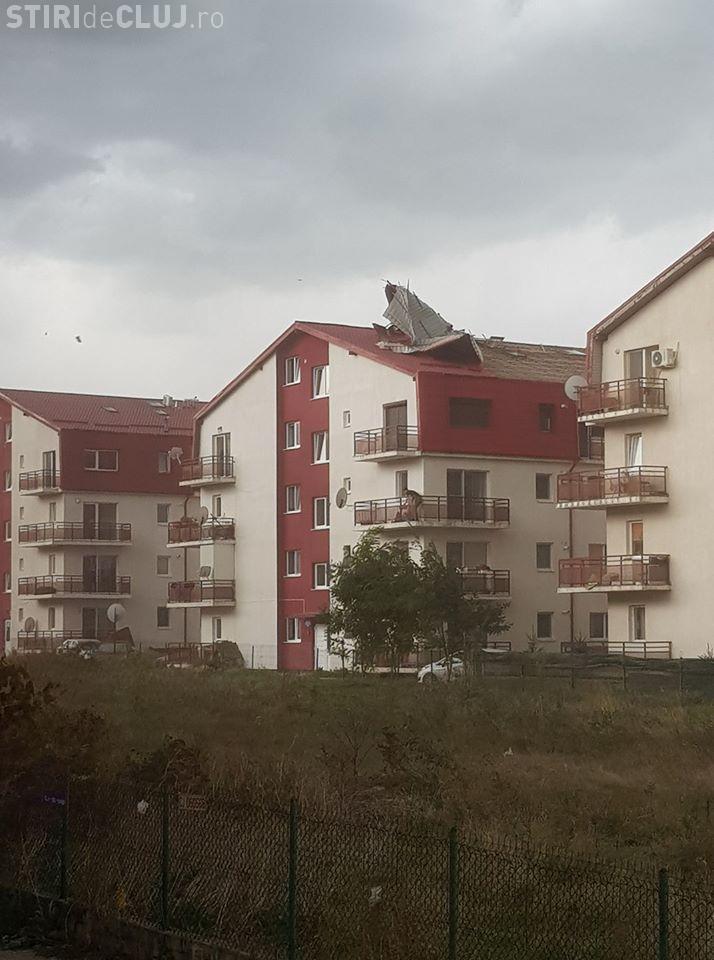 """""""Uraganul"""" de la Cluj a luat acoperișurile în Florești - FOTO"""