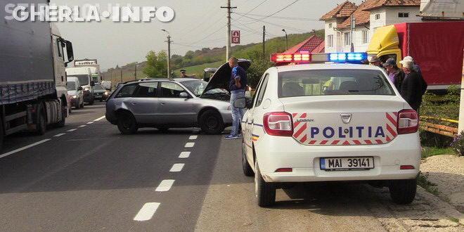 Nepăstrarea distanței regulamentare face victime! Patru persoane au fost rănite într-un accident la Gherla VIDEO