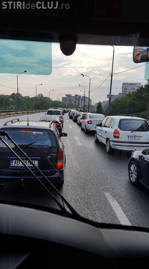 Până la urmă cât e de util sensul giratoriu de pe Calea Florești? - FOTO