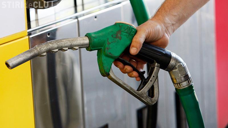 De când intră în vigoare supraacciza la carburanți. Cu cât cresc prețurile la pompă