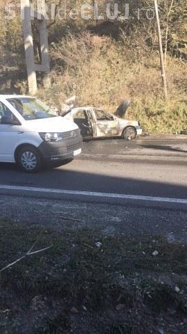 Accident pe un drum din Cluj! O mașină plină cu alcool în portbagaj s-a făcut scrum FOTO/VIDEO