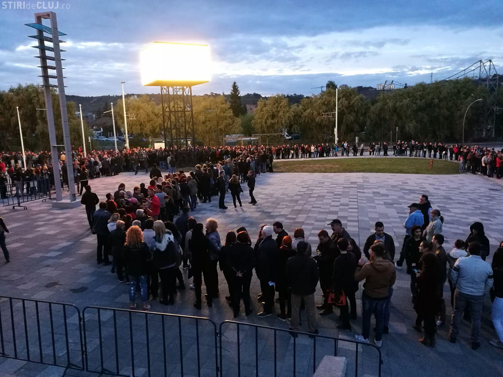 "Cluj: 10.000 de oameni la Holograf - VIDEO cu melodia ""Dragostea mea"""