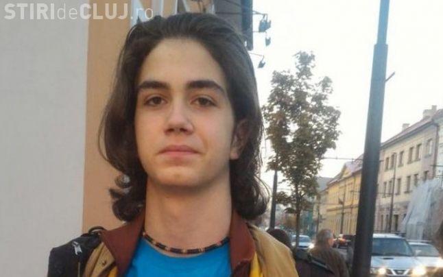 Cristian Tudor Popescu îl critică pe elevul pletos de la Cluj