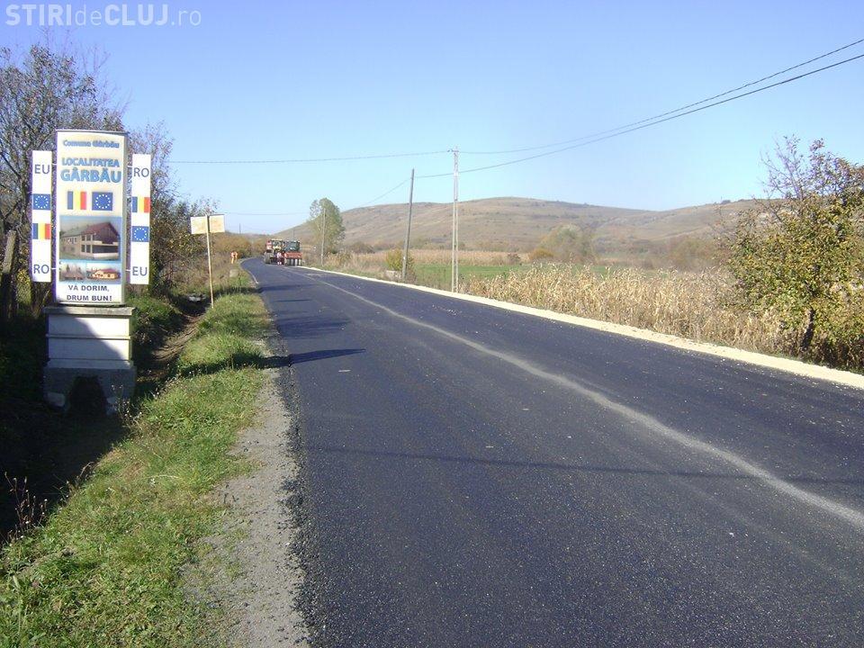 S-au finalizat lucrările de asfaltare pe drumul Gârbău - Aghireș FOTO