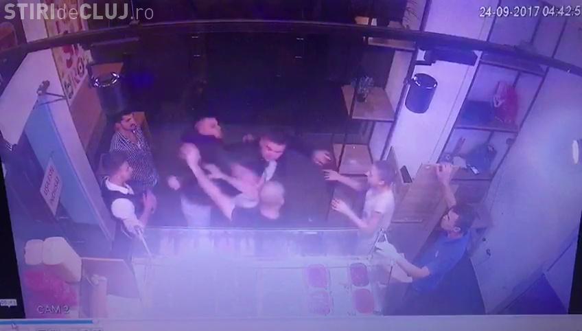 "Refugiat sirian angajat la Cluj, bătut de doi ""naționaliști"" - FOTO"