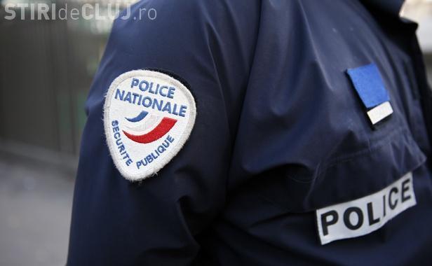 Cuplu de tineri arestat în Franța. Aveau un lansator de rachete și o mitralieră în mașină