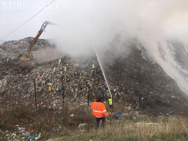 VIDEO - Nou incendiu la Pata Rât. Acum arde groapa de gunoi a RADP, construită de Primăria Cluj-Napoca