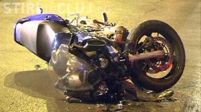 Motociclist RUPT de beat, reținut de polițiștii clujeni după ce s-a răsturnat pe marginea drumului