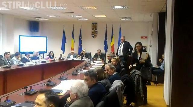 """Scandal MONSTRU la dezbaterea privind BINELE Aeroportului Cluj: Am investit 130 de mil. euro fără să auzim """"MULȚUMESC!"""""""