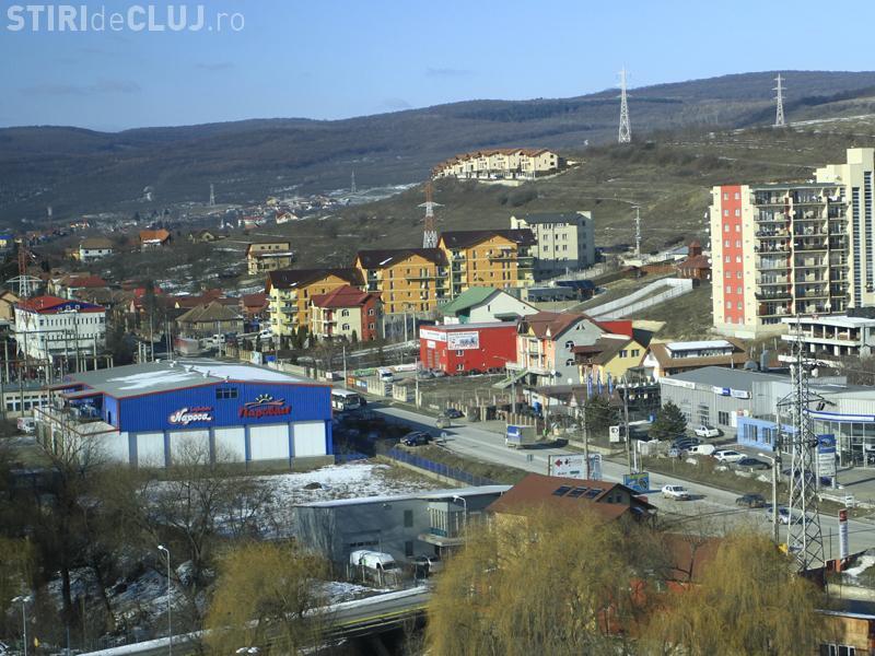 Primarul din Baciu către Emil Boc: Noi nu avem blocuri între case! Dvs ați avizat blocuri de 10 etaje