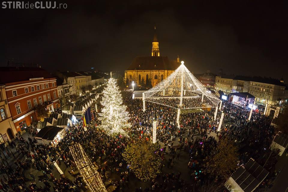 Târgul de Crăciun din Cluj-Napoca a fost deschis vineri seara. Cum vi se pare? - VIDEO