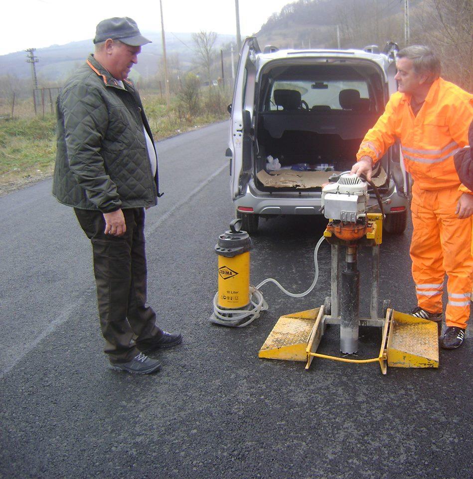 S-au finalizat lucrările de asfaltare în localtiatea clujeană Sântioana
