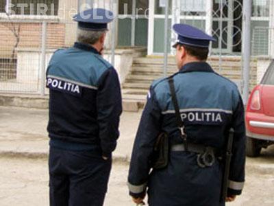 Ce a pățit un tânăr după ce i-a arătat semne obscene unui polițist care se afla în timpul probei practice la examenul de conducere