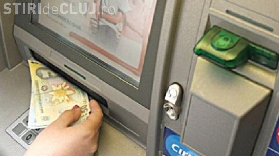 Cluj-Napoca: Bani găsiți în bancomant și predați poliției