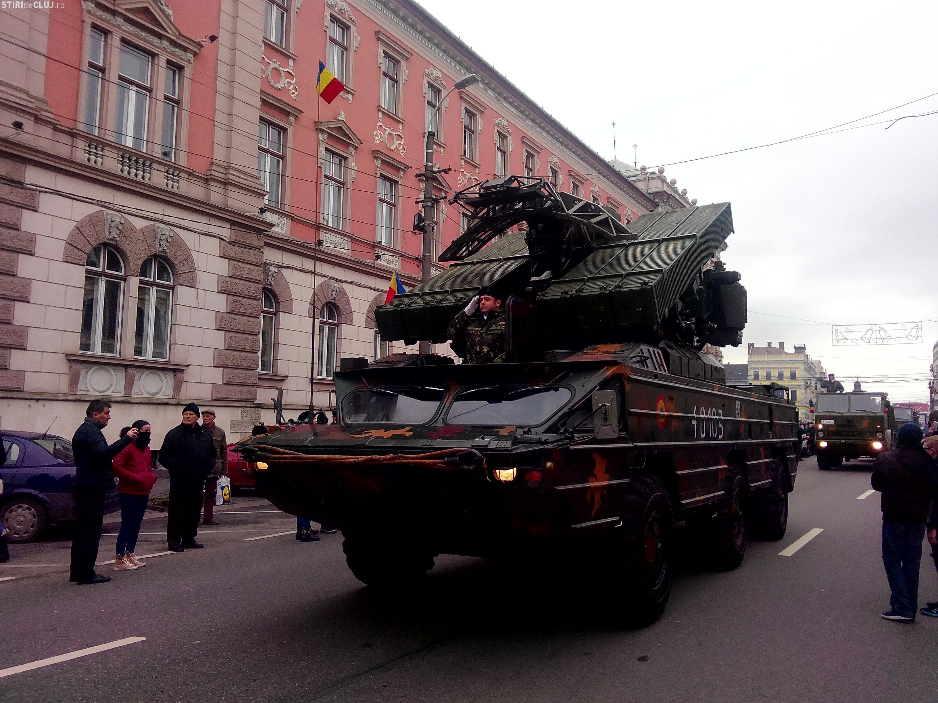 1 Decembrie la Cluj-Napoca: Defilare în Piața Avram Iancu. Dronele sunt interzise