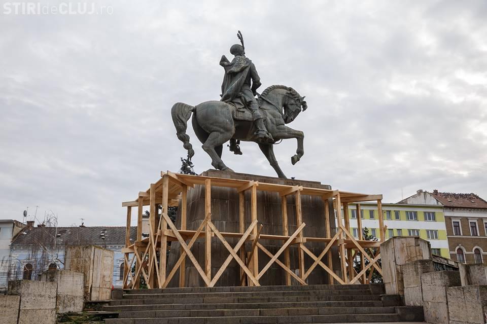 Statuia lui Matei Corvin se reabilitează - FOTO
