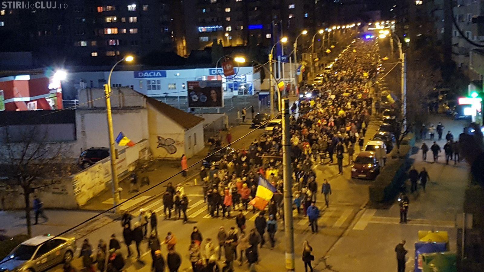 PROTEST MASIV la Cluj! 15.000 de oameni au ieșit în stradă FOTO/VIDEO