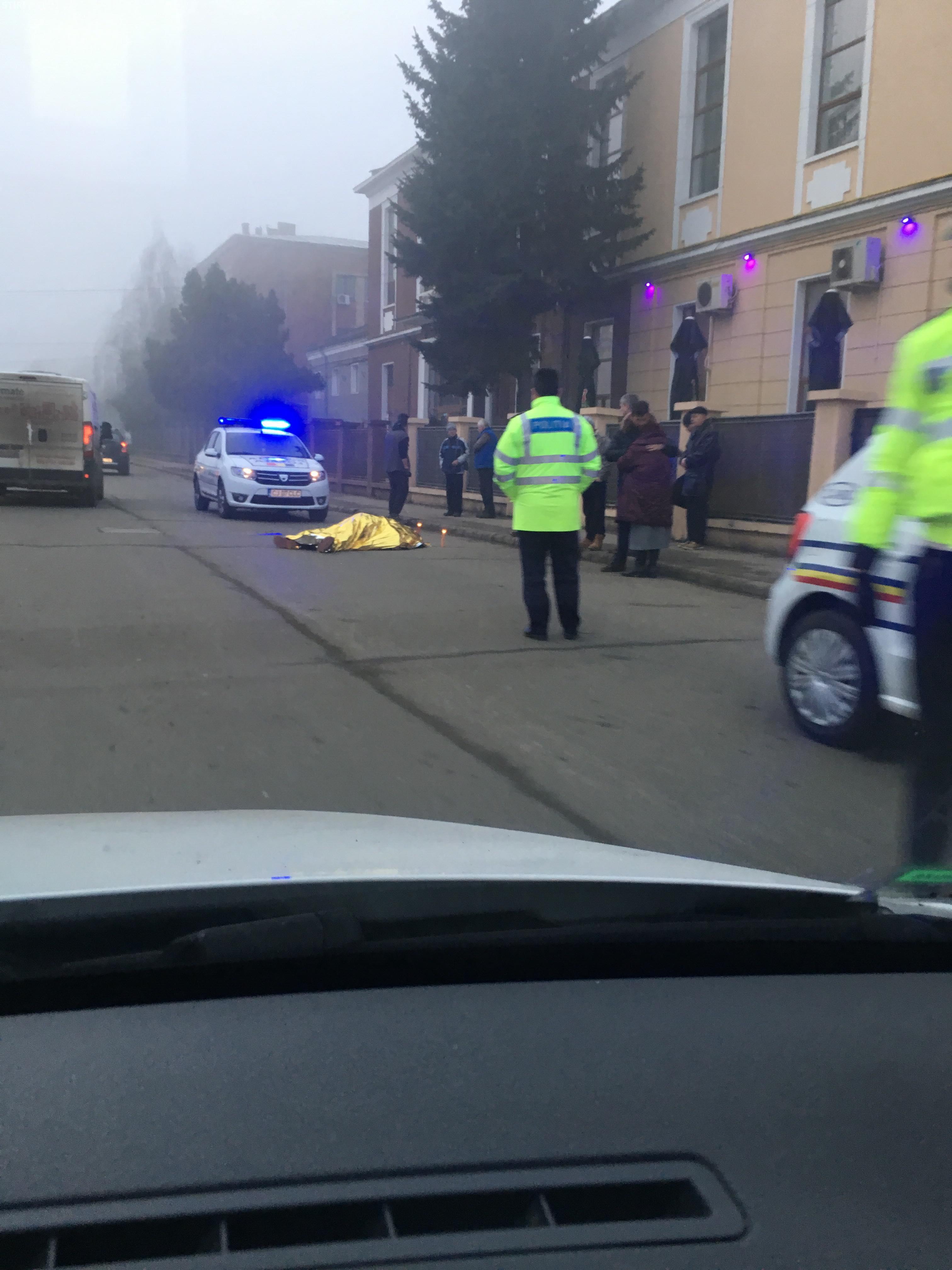 Cluj-Napoca: Un biciclist a murit pe stradă - FOTO