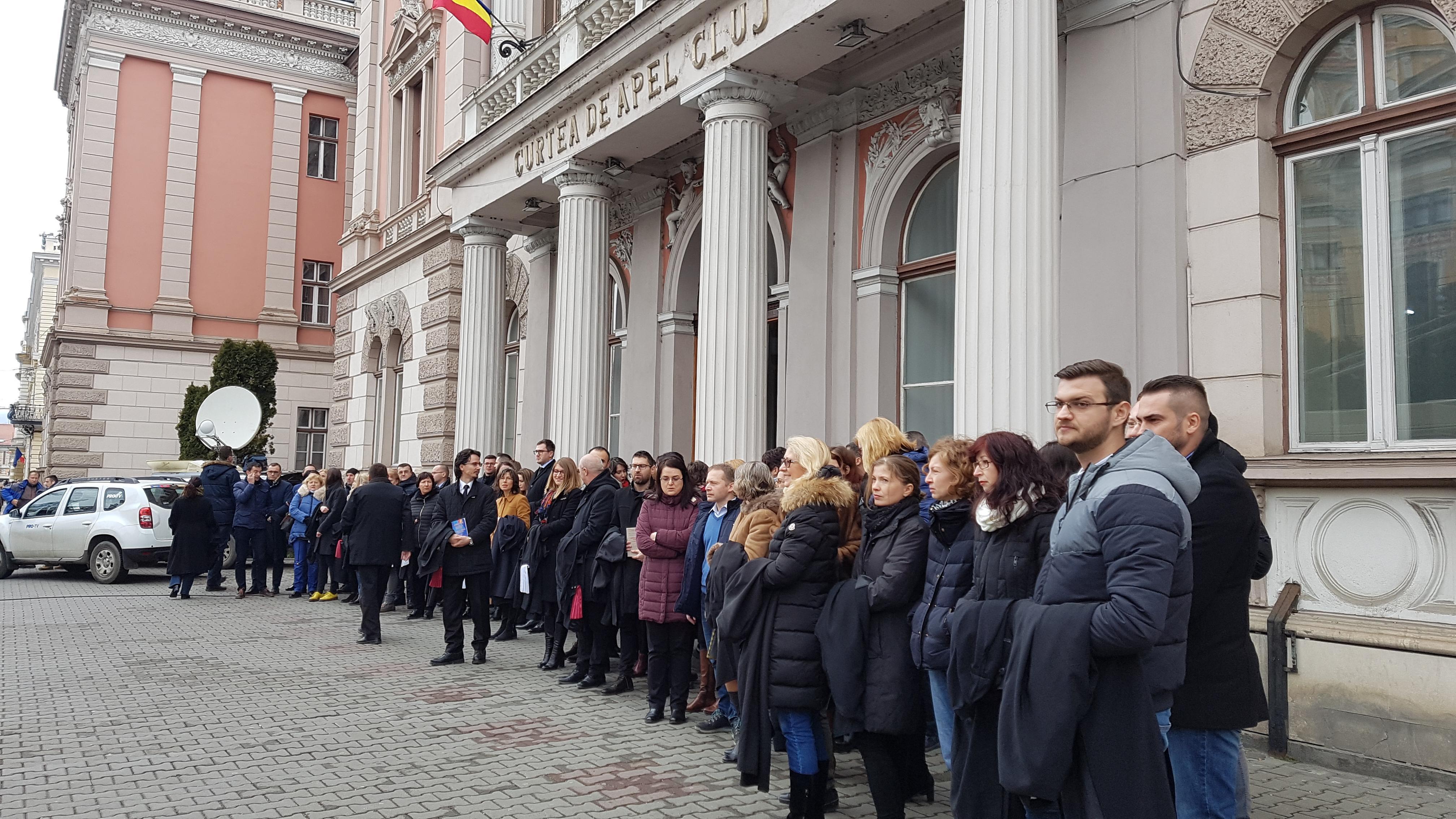 Bădălău (PSD): Magistraţii nu au dreptul să protesteze