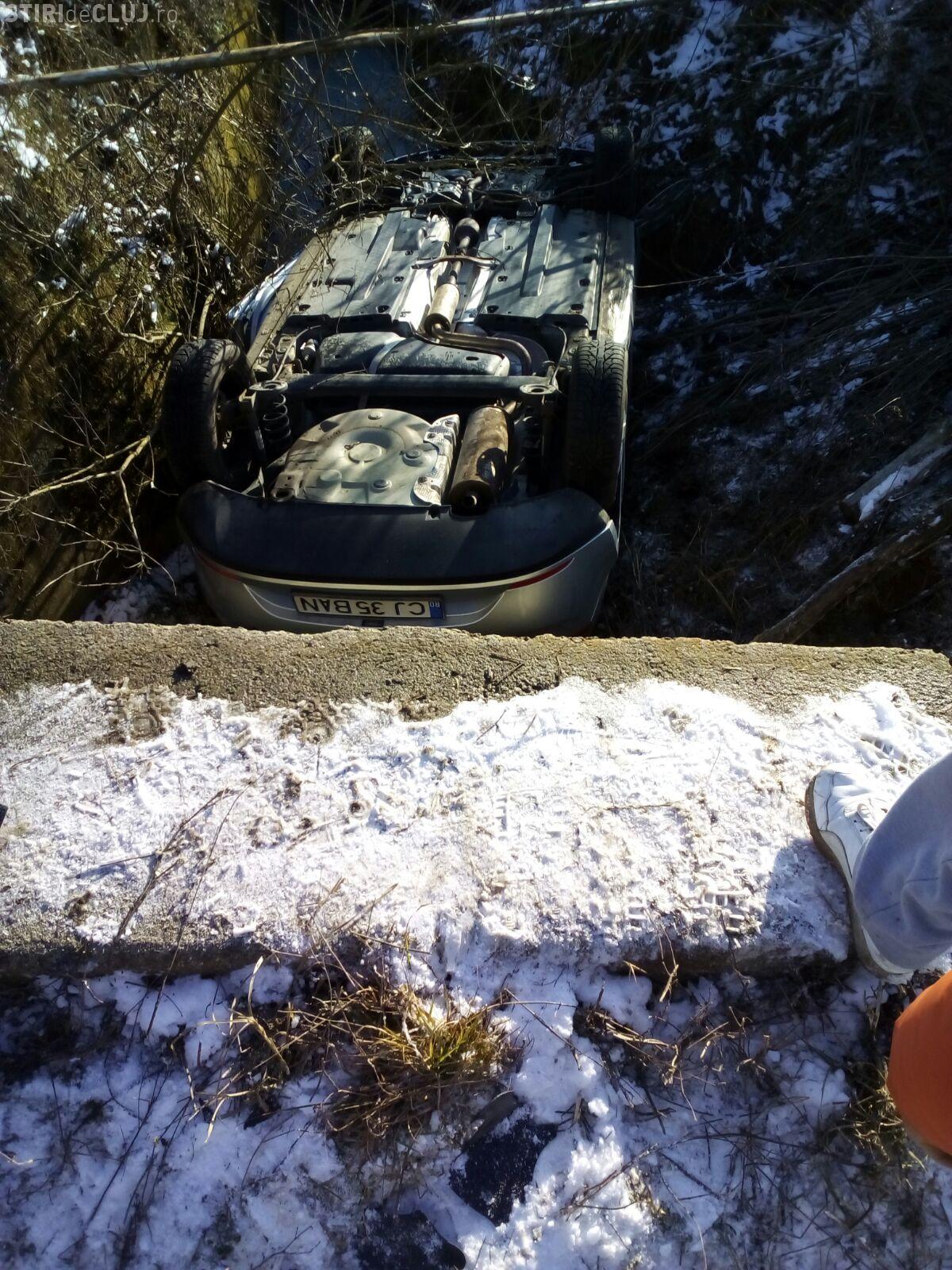 Accident în Cluj! Elicopterul SMURD a fost trimis unde era mașina răsturnată - VIDEO