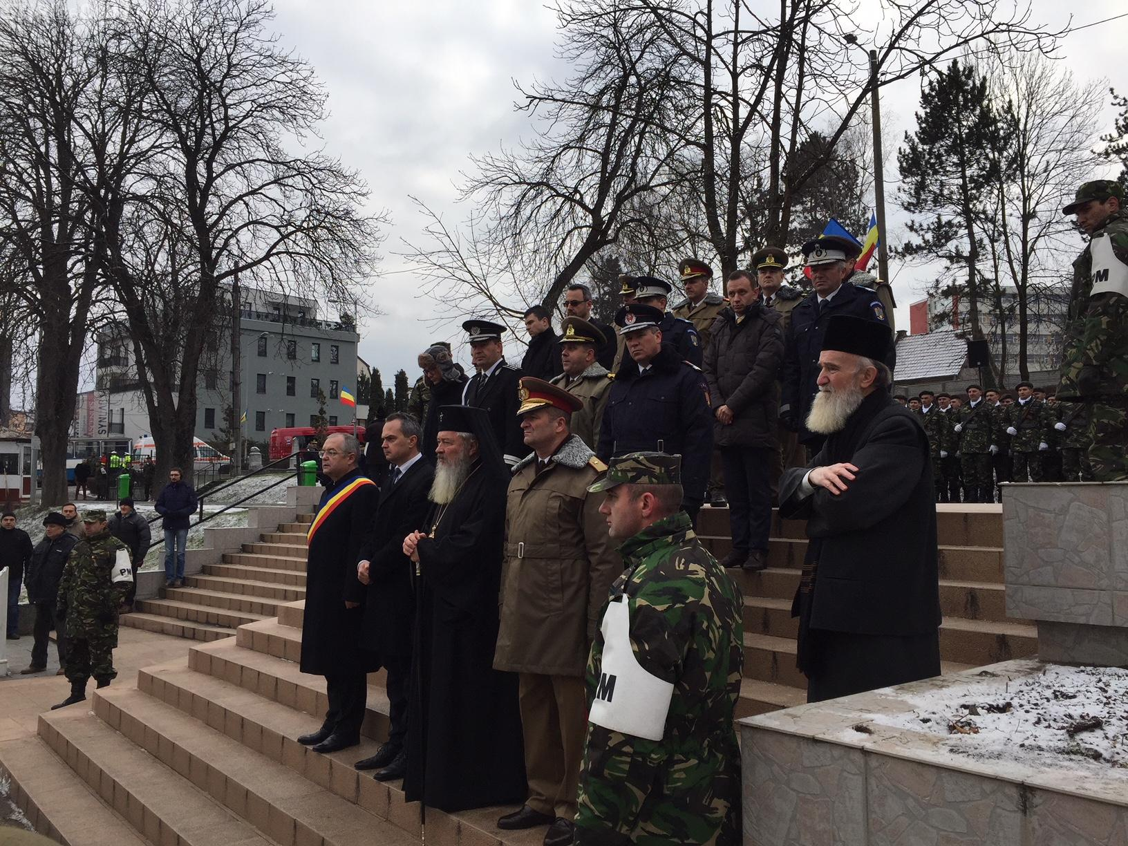 Martirii Revoluției, comemorați la Cluj-Napoca. Revoluționarii au venit cu mesaje de protest FOTO