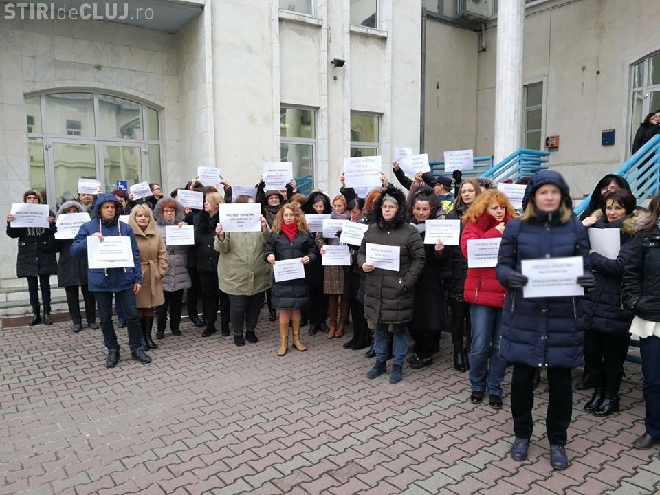 Protest la ITM Cluj, AJOFM și Casa de Pensii