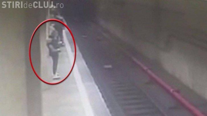 Dezvăluiri în cazul crimei de la metrou. Poliția a fost anunțată de tatăl primei fete, dar l-au trimis la plimbare