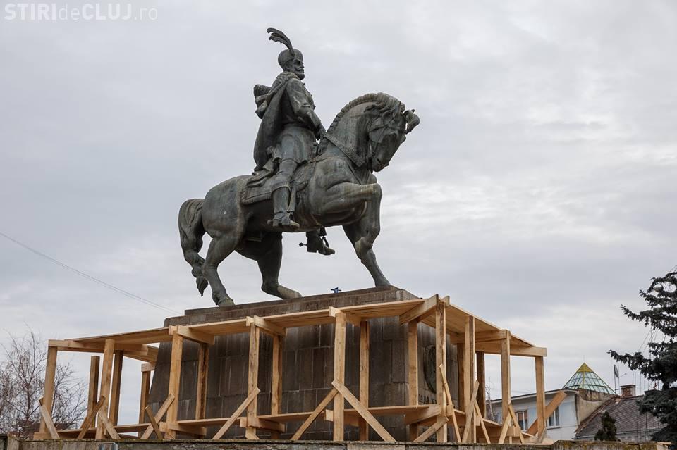 Primăria Cluj restaurează statuia lui Mihai Viteazu, din centrul orașului
