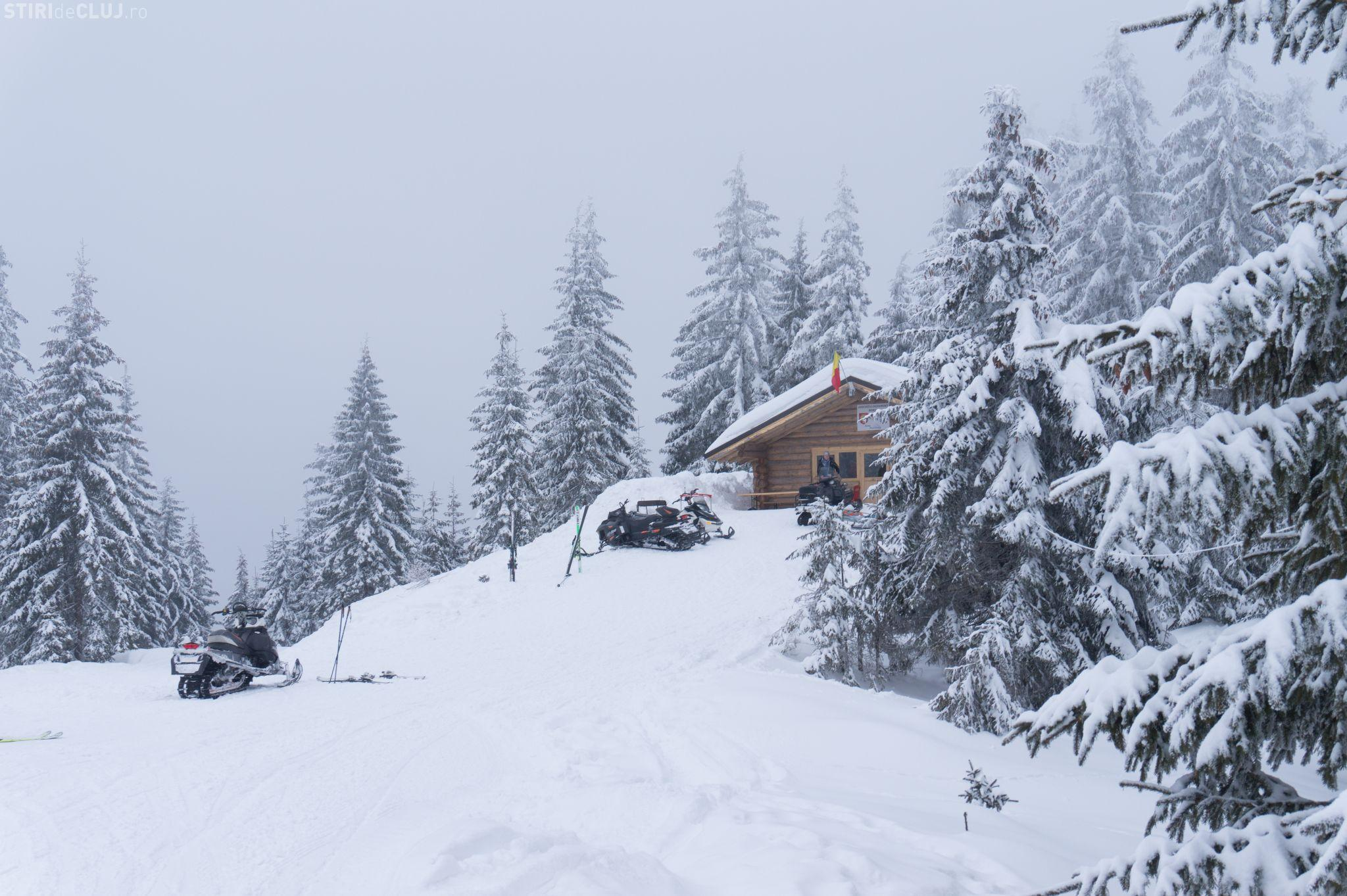 Snowmobilele distrug parcurile naționale din Carpați: E o autostradă de snowmobile - FOTO