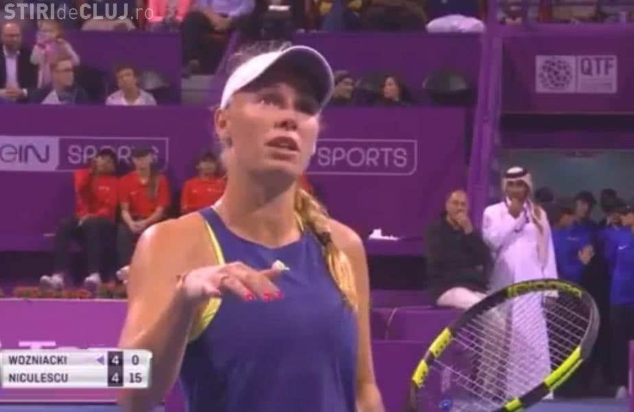Wozniacki a întrerupt meciul cu Monica Niculescu, după revenirea româncei - VIDEO