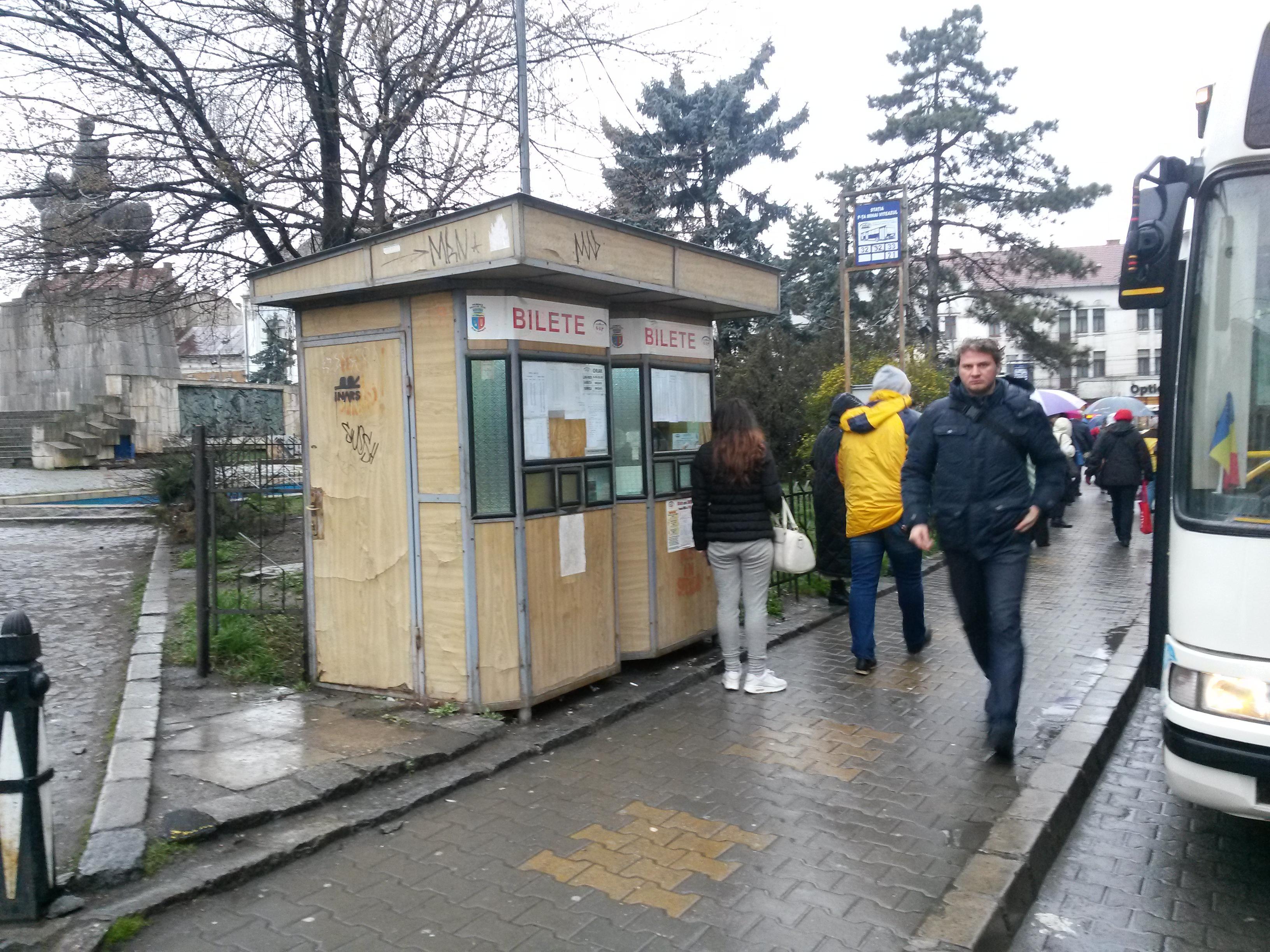 Șeful CTP Cluj explică de ce automatele de bilete nu merg: Vandalism și folosire de bancnote murdare