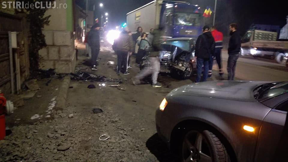 Accident în Florești! Un BMW a intrat într-o casă - FOTO