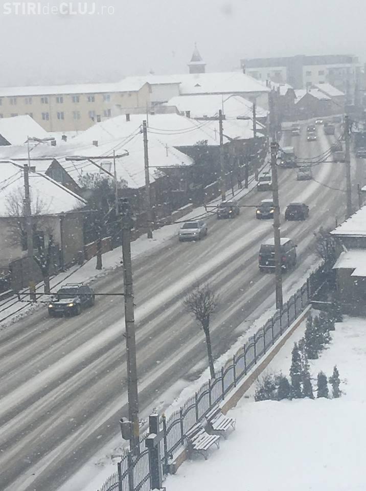 Drumul spre Aeroportul Cluj acoperit de zăpadă - FOTO