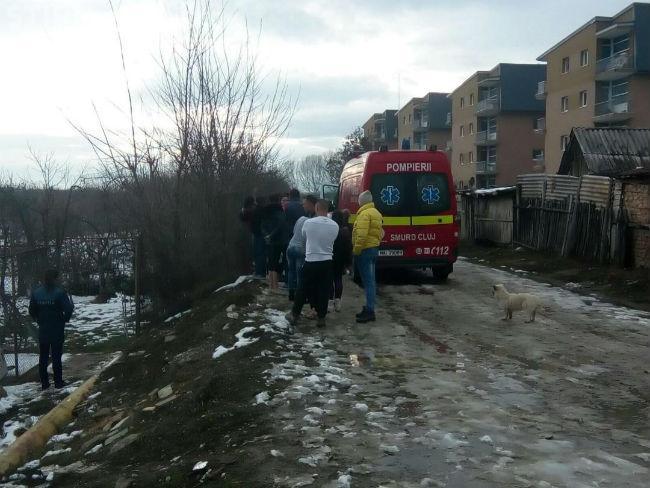 CLUJ: Descoperire macabră la Turda. Un bărbat și-a pus capăt zilelor în grădina din spatele blocului