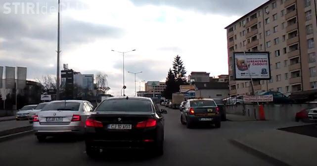 """Șofer de BMW e """"Specialul zilei"""" pe Calea Turzii: """"Merita un video doar pentru el"""" - VIDEO"""