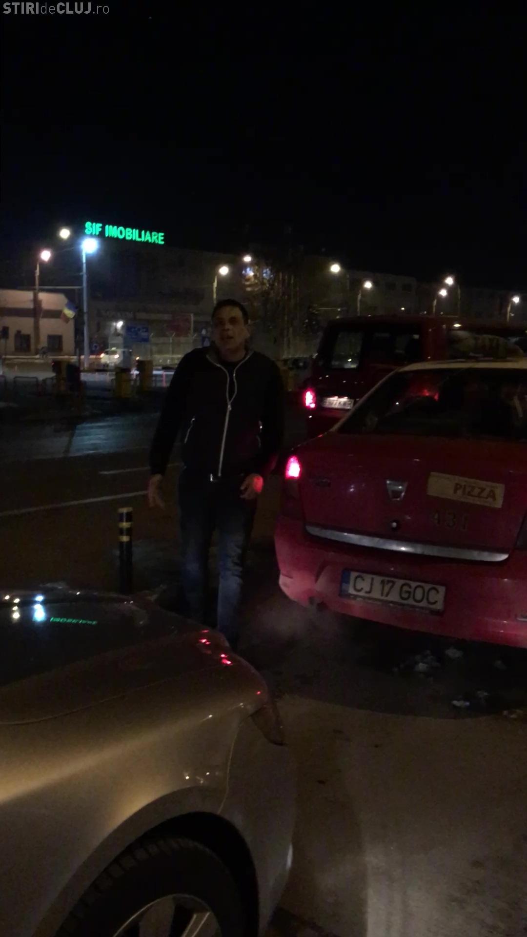 Taximetrist AGRESIV la Aeroportul Cluj. Cum sunt vânați turiștii străini - VIDEO