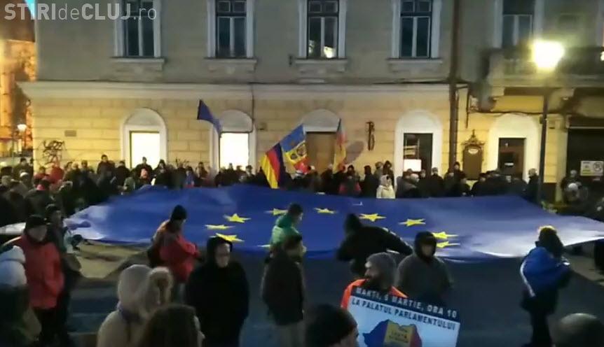 Steagul UE desfășurat la Cluj-Napoca în cadrul protestului de duminică
