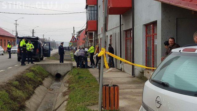 CLUJ: Accident mortal la Cășeiu. O femeie a fost strivită de mașină, încercând să traverseze strada VIDEO