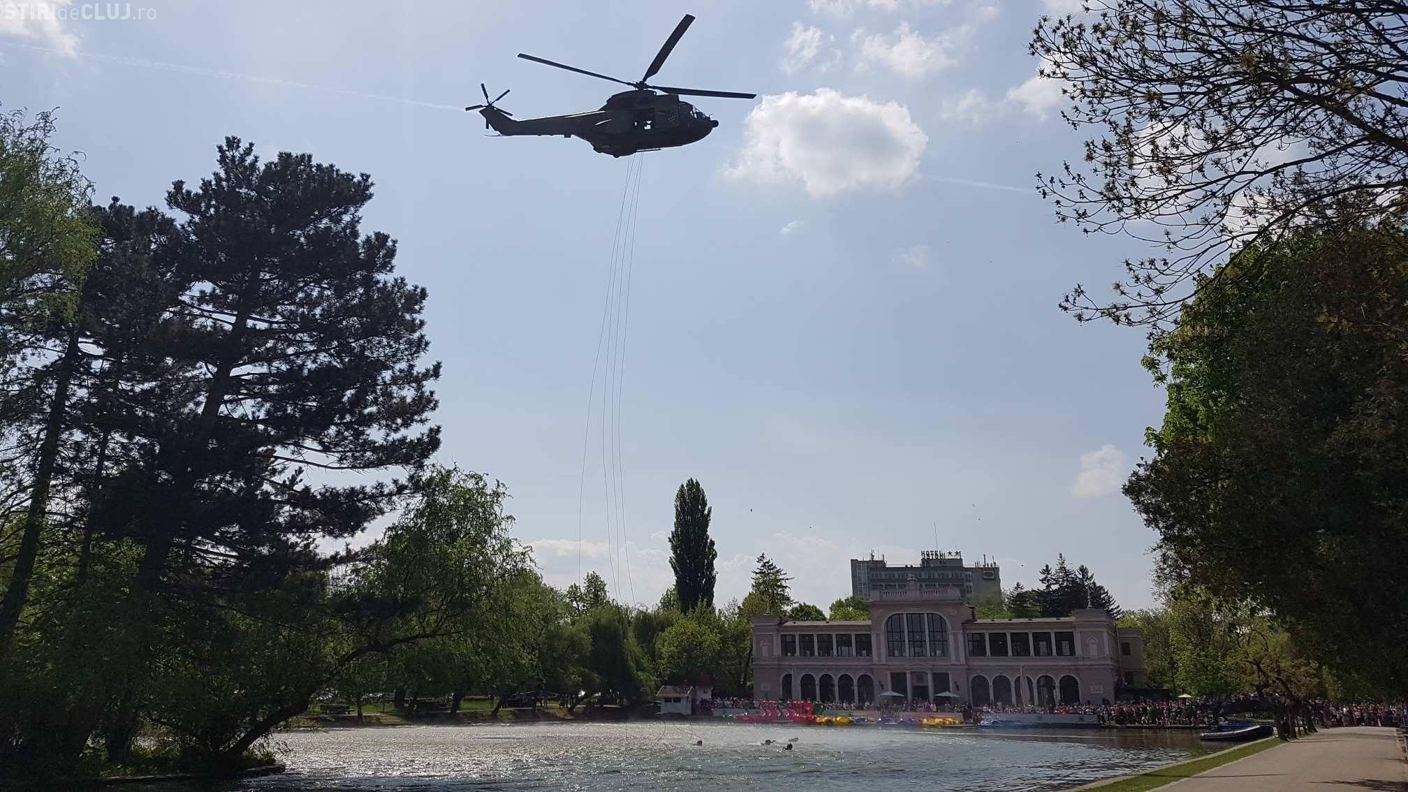 MIG- uri și elicoptere deasupra Parcului Central. Trupele speciale coborât în lac și au dinamitat o baracă - VIDEO