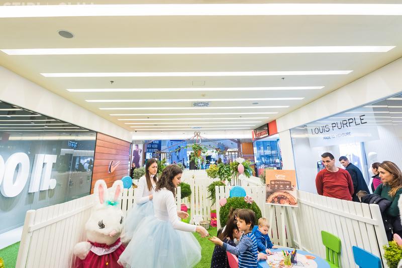 Iulius Mall Cluj îi provoacă pe copii să descopere Labirintul Iepurașului, din Candyland