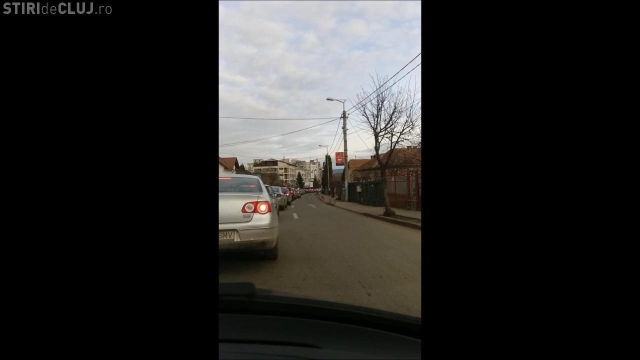 Strada Câmpului. Primăria a înlăturat stâlpișorii din trafic, după ce s-a făcut mai mare haos