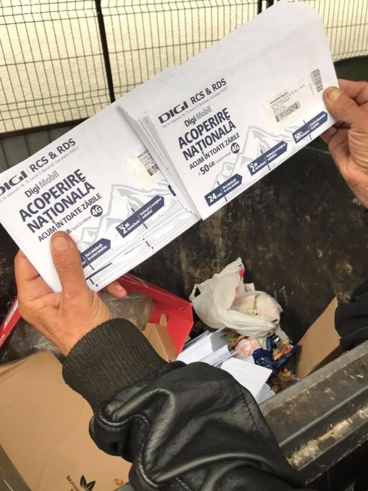 Cluj-Napoca: Facturile RCS&RDS sunt aruncate la gunoi