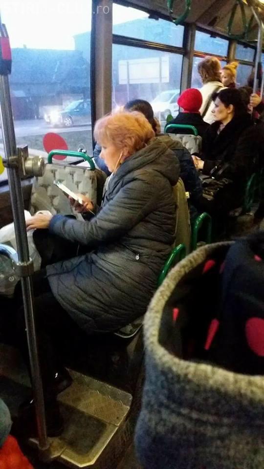Transport în comun în Baciu! Și-au luat bilet și pentru bagaje - FOTO