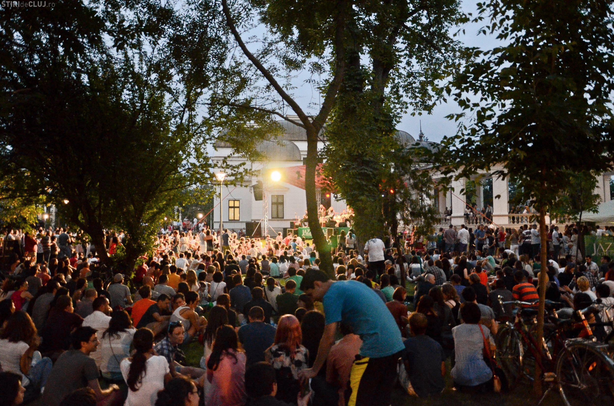 Susține creativitatea comunității prin Fondul Jazz in the Park și bilete neobligatorii