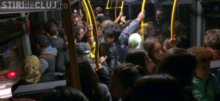 Angajații de la Emerson sunt furioși pe condițiile din autobuzele CTP: Înghesuiți ca în India