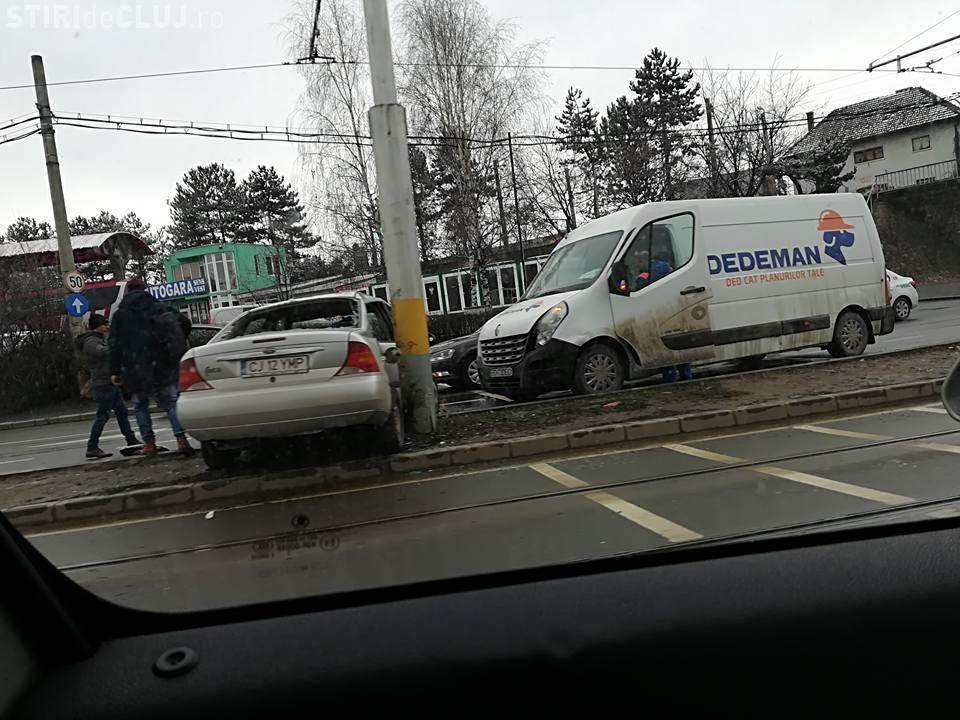 Accident pe strada Oașului! Șoferii au uitat cum se conduce - FOTO